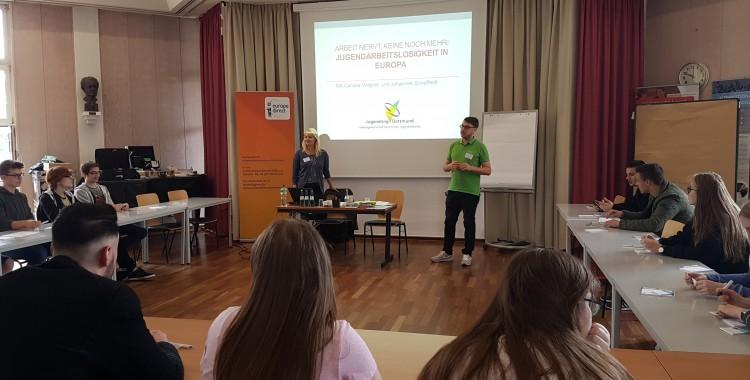 """""""Arbeit nervt, keine noch mehr"""" – Workshop für Jugendliche zur Jugendarbeitslosigkeit in Europa (27.06.2017)"""